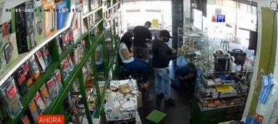 Multimillonario atraco a casa de celulares en Ñemby