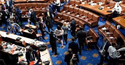 La Nación / Dos congresistas de EEUU dan positivo al COVID-19 tras el ataque al Capitolio