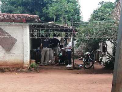 Detienen a dos sospechosos tras allanamiento en Ñemby