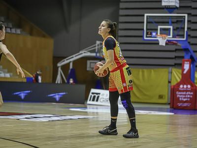 Paola Ferrari se luce en la victoria del Spar Girona