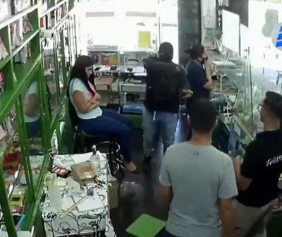 Hombres armados robaron millonario botín de un local en Ñemby