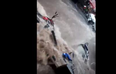 Lluvia causa estragos y raudales en Ciudad del Este