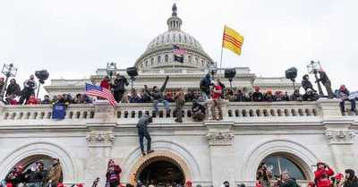 El FBI alerta que hay planes de 'protestas armadas' en los 50 capitolios de Estados Unidos