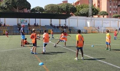 Entrenadores de escuelas de fútbol exigen vuelta de entrenamientos y competencias