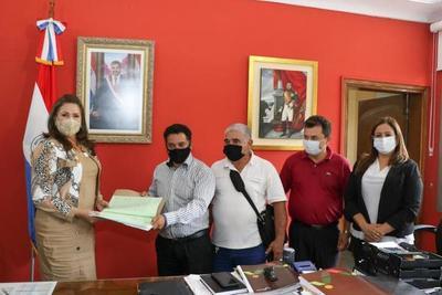 MAG transfiere terreno al Indert para regularización de asentamiento en Minga Guazu