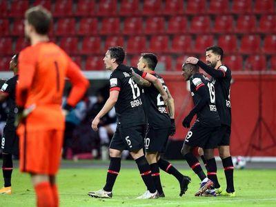 El Leverkusen alcanza los octavos tras golear al Eintracht