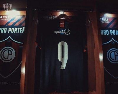 Cerro presenta a su goleador estrella: Mauro Boselli
