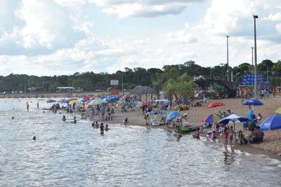 Playas de Encarnación están habilitadas, sostiene asesor legal de la Comuna
