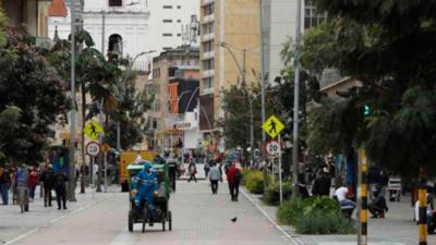 En Bogotá terminó la cuarentena y empieza el toque de queda