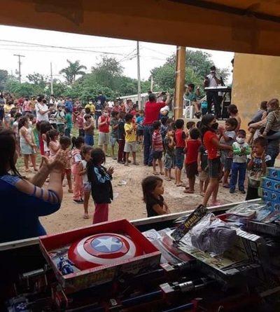 """""""Llevamos un poco de alegría y ayuda a niños de comunidades olvidadas por la sociedad"""""""