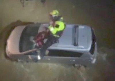 Crónica / Fue arrastrado con su auto y casi acaba en el mar