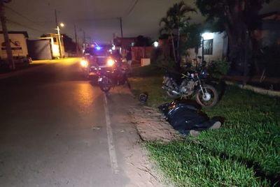 Un pozo le habrá costado la vida a un motociclista en Mariano Roque Alonso