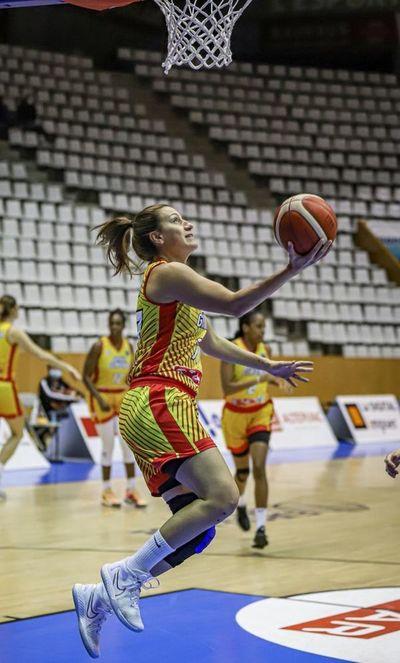 Partidazo de Paola Ferrari en triunfo del Spar Girona
