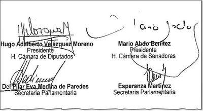Marito borraría con el codo lo que firmó con la mano