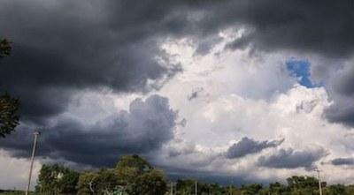 Anuncian clima caluroso y precipitaciones con tormentas eléctricas para este miércoles