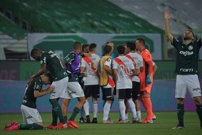River ganó pero no le alcanzó y Palmeiras es el primer finalista de la Copa Libertadores