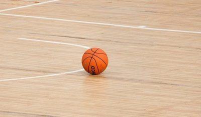 Trabajadores del básquet piden retornar a las competencias