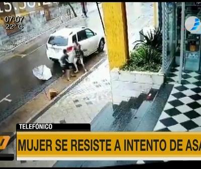 Mujer se defiende de asaltante en Asunción
