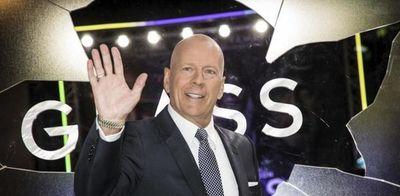 Bruce Willis fue rajado de comercio por negarse a usar mascarilla