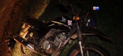 Motociclista fallece al caer a una zanja