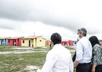 Gobierno ratifica compromiso con el norte y entrega 60 viviendas a familias de San Lázaro