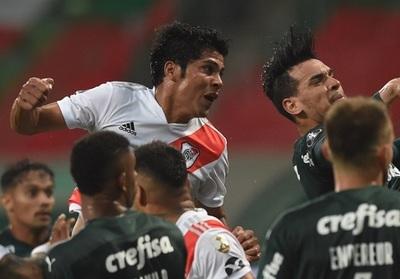 Robert Rojas: Gol y expulsión en un partido cargado de polémica