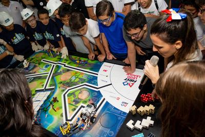 Invitan a niños y jóvenes paraguayos a participar en competencia de robótica
