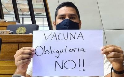 Diputado pide que aplicación de vacunas no sea obligatoria