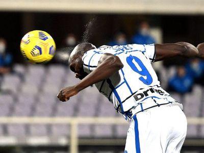 Lukaku rescata al Inter y habrá derbi con el Milan en cuartos