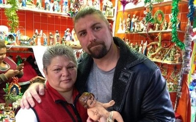 "Fallece vendedora que se hizo viral con el ""Niño Jesús bailarín"""