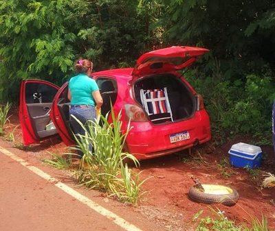Bandidos interceptan a balazos un auto y se alzan con Gs. 17 millones