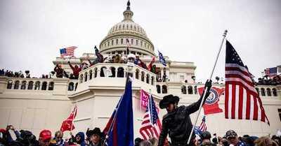 """Un informe del FBI alertó de una """"guerra"""" en Washington un día antes del asalto al Capitolio"""