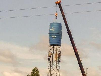 Vecinos se oponen a instalación de tanque porque creen que es una antena