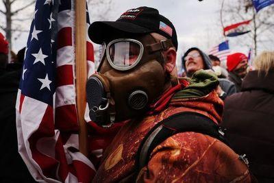 EE.UU. tiene dificultades para enfrentar a la extrema derecha