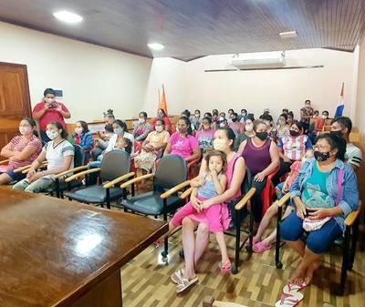 MÁS FAMILIAS SUSCRIBEN COMPROMISO PARA ACCEDER A TEKOPORÃ.