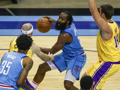 Houston traspasa a James Harden a los Nets