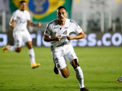 Santos es finalista tras golear a Boca Juniors