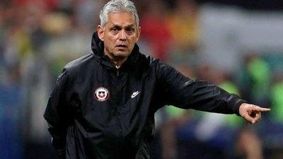 Reinaldo Rueda deja de ser seleccionador de Chile