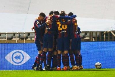 Barcelona sufre, pero avanza a la final de la Supercopa de España