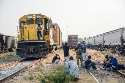 Guatemala alista un convenio con México para extender el tren Transístmico