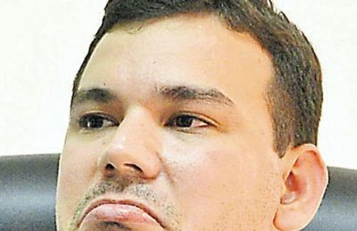 Acusan a aduanero por lavado y enriquecimiento y piden juicio oral