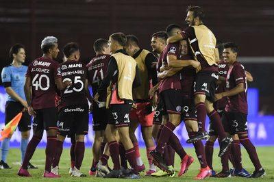 Lanús golea a Vélez y es el primer finalista de la Sudamericana