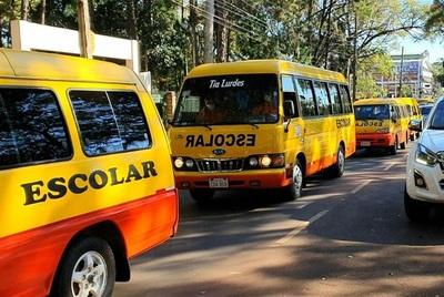 Dueños de transportes escolares anuncia rebaja en costo de servicios