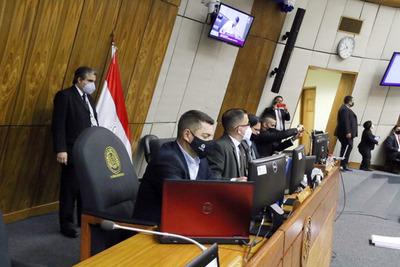 Diputados aprueba proyecto para acelerar compra de vacunas contra COVID