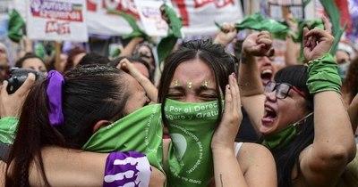 La Nación / El aborto legal entra en vigor en Argentina
