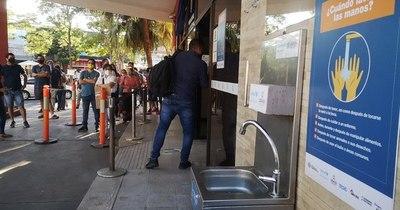 La Nación / COVID-19: por falta de agua, incumplen protocolo sanitario en Identificaciones