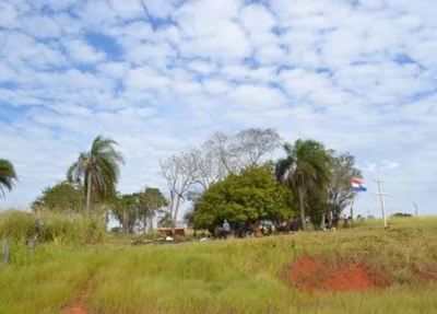Blanca Ovelar ratifica apoyo a campesinos en la tenencia de tierras de Marina Cué