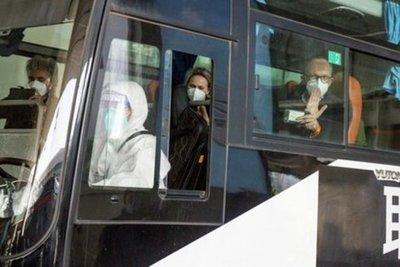 El régimen chino bloqueó la entrada de dos expertos de la OMS que llegaron al país para estudiar el origen del Covid