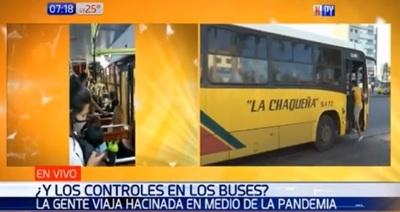 Denuncian aglomeración de pasajeros en buses y reguladas