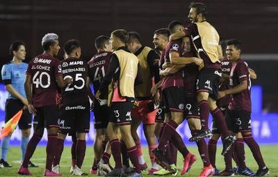 Tras golear a Vélez, Lanús pasa a la final de la Sudamericana